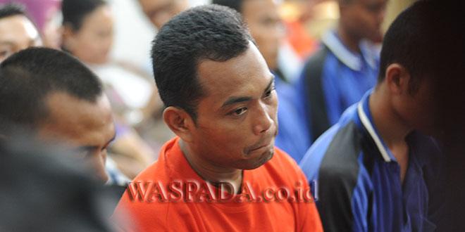 Terdakwa Andi Lala alias Andi Mattalata disidang kasus pembunuhan satu keluarga di Jalan Mangaan, Mabar, Kecamatan Medan Deli.(WOL Photo/ega ibra)