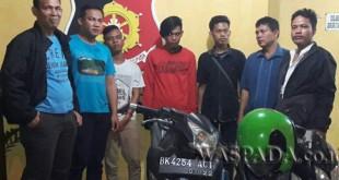 Timsus Reskrim Polsek Medan Helvetia tangkap tiga warga Madina kasus pencurian sepeda motor di Warnet Barca. (WOL. Photo/Gacok)