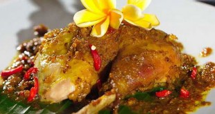 Ayam betutu (Foto: Easy Food Recipe)