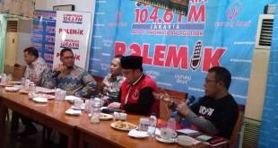 Dahnil, berjaket merah, dalam diskusi Sindo Trijaya (Foto: Bayu S/Okezone)