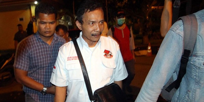 Bupati Batubara OK Arya Zulkarnain dibawa KPK ke Mapolda Sumut (Antara)mewa)