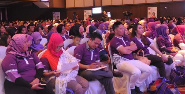Ratusan peserta Prenagen Pregnancy Educational Joourney terlihat antusias memperhatikan jalanya diskusi interaktif. (Ist/Rahmat Utomo)