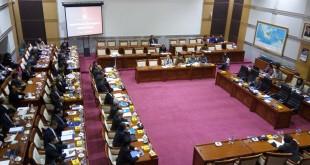 Rapat Menlu dengan Komisi I. (Harits TA/Okezone)