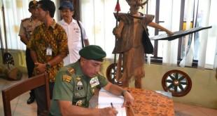 Pangkostrad Letjen TNI Edy Rahmayadi (WOL Photo/Ist)