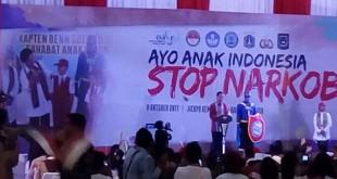 Presiden Jokowi memberi penyuluhan bahaya narkoba. (Foto: Sindonews)