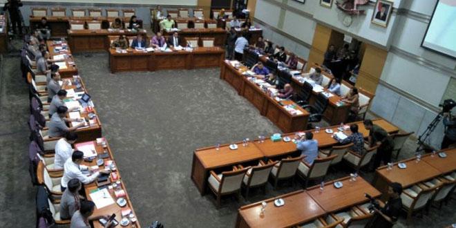 Rapat Komisi III dengan Polri (Foto: Bayu/Okezone)