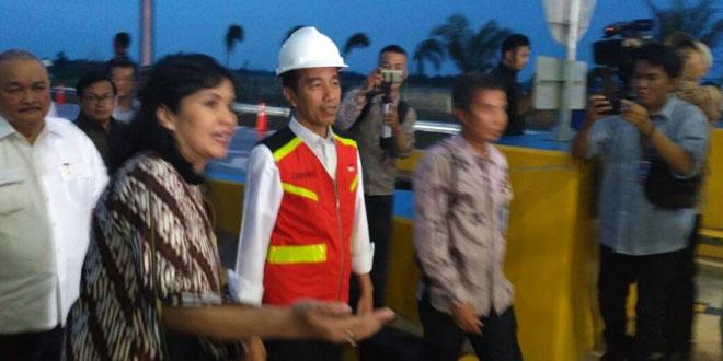 Presiden Jokowi resmikan tol Palinda sesi satu (Foto: Melly/Okezone)
