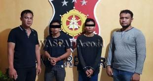 Petugas Reskrim Polsek Medan Helvetia tangkap dua perampok yang sudah 10 kali beraksi.(WOL Photo/Gacok)