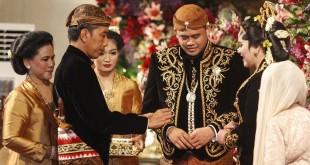 Pernikahan Kahiyang-Bobby (Foto: Antara)