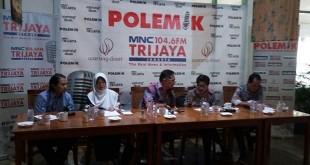 """Diskusi Polemik Radio MNC Trijaya bertajuk """"LGBT, Hak Asasi, dan Kita"""" di Cikini, Jakarta Pusat, Sabtu (23/12/2017). (Foto: Fakhrizal Fakhri/Okezone)"""