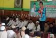 Ustad H. Muhammad Nur Maulana ketika menyampaikan tausiyah di Masjid Agung Binjai dihadiri Gubsu HT Erry Nuradi dan Sekdako M. Mahfullah P Daulay. (WOL Photo)