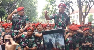 Gatot Nurmantyo diarak prajurit Kopassus. Foto Okezone/Muhamad Rizky