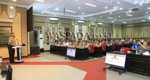 Kapolda Sumut, Irjen Pol Paulus Waterpauw, memimpin Rakor Lintas Sektoral persiapan pengamanan Natal dan Tahun Baru, Selasa (19/12).