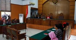 hakim gugurkan praperadilan Setya Novanto (Foto: Okezone)