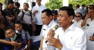 Menko Polhukam Wiranto dan Kepala BNN Budi Waseso (foto: Chyntia Sami B/Okezone)