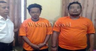 Petugas Reskrim Polsek Medan Baru mengamankan tersangka kasus narkoba jenis sabu. (WOL Photo/Gacok)