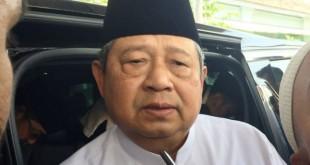 Ketua Umum Demokrat, SBY saat melayat ke almarhum Habib Abdurahman Alhabsy (foto: Fakhri/Okezone)