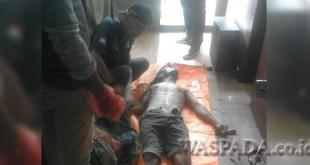 Sesosok mayat pria ditemukan di warnet Friends Net. (WOL. Photo/Gacok)