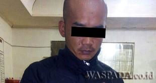 Tersangka Rudi Arianto Silalahi alias Dedek alias Tungkik (34) tersangka kasus narkoba. (WOL Photo/Gacok)