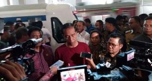 Presiden Joko Widodo usai meresmikan kereta bandara (Fakhri/Okezone)