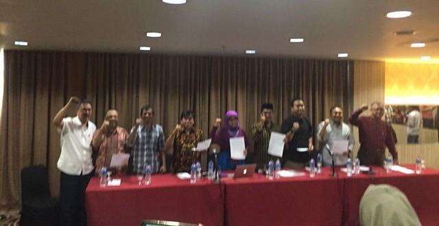 Koalisi Masyarakat Sipil buat petisi soal pengganti Setya Novanto di kursi Ketua DPR (Foto: Harits Tryan)
