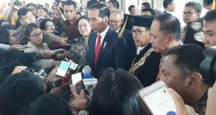 Presiden Joko Widodo saat menghadiri Dies Natalis UI ke-68 (foto: Antara)