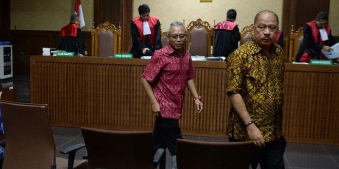 Melchias Markus Mekeng dan Arif Wibowo saat bersaki di siang kasus e-KTP (Foto: Antara)