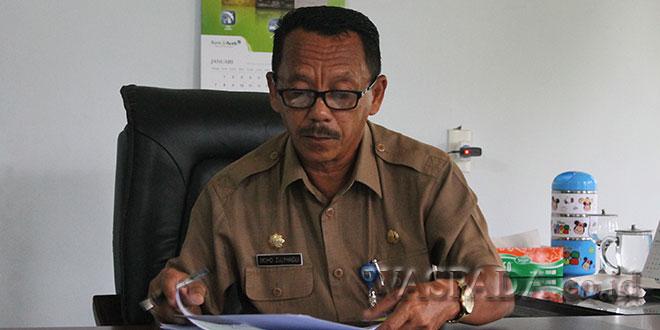 Kepala Dinas Kependudukan dan Catatan Sipil Kabupaten Aceh Utara, Mohd. Zulfhadli, Saat Ditemui wartawan di Ruang Kerjanya. (WOL Photo/Chairul Sya'ban)