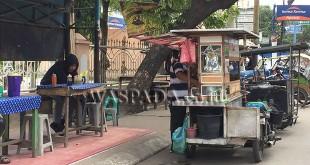 Kondisi halte bus Trans Mebidang di Jalan Gatot Subroto, tepatnya di depan Yayasan Taman Pendidikan Mardi Lestari lapak jualan mie ayam.(WOL Photo/muhammad rizki)