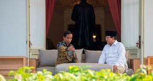 Joko Widodo dan Prabowo Subianto. (Foto Okezone)