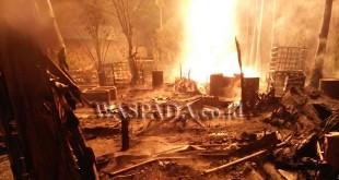 Lokasi ledakan pengeboran minyak mentah tradisional di Peureulak, Aceh Timur yang berubah menjadi lautan api 02.30 WIB dinihari tadi. (WOL Photo/Ist)
