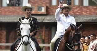 Joko Widodo dan Prabowo Subianto sedang berkuda (Foto: Ist)