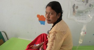 Mominah, imigran etnis Rohingya dirawat di RS Langsa, usai diselamatkan nelayan Aceh pasca terombang-ambing di laut, Sabtu (7/4/2018). (Foto: Khalis Surry/Okezone)