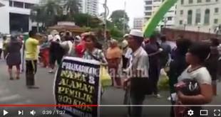 Screenshot-2018-4-12-Pedagang-Pasar-Marelan-Tuntut-Wali-Kota-Medan-Turun---YouTube
