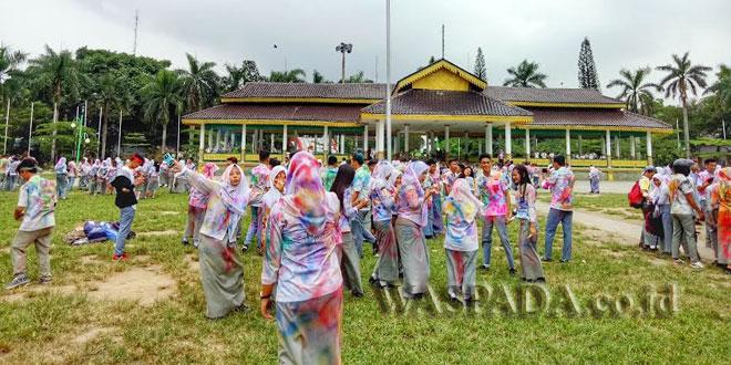 Pelajar SMK Padati Lapangan Merdeka Medan. (WOL Photo/Eko kurniawan)