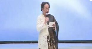Sukmawati Soekarnoputri saat membacakan puisi Ibu Indonesia di JCC, Jakarta (Foto: Ist)