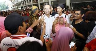 Calon Wakil Gubernur Sumatera Utara, Sihar Sitorus saat menghadiri deklarasi relawan Bara Baja Djoss di Medan, Sumut, Minggu  (20/5). (WOL Photo/Ist)