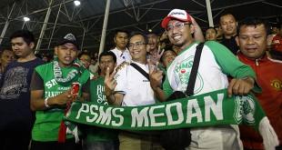 Calon Wakil Gubernur Sumatera Utara, Sihar Sitorus, menyaksikan lanjutan Go-Jek Liga 1 2018 yang mempertemukan PSMS Medan melawan Arema FC, di stadion Teladan Medan, Sabtu malam (26/5). (WOL Photo/Ist)