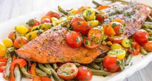 Salmon panngang tumis sayuran (Foto: Theviberide)