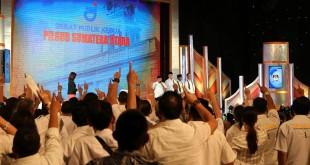Para simpatisan dan pendukung pasangan calon gubernur dan wakil gubernur Sumatera Utara Edy Rahmayadi-Musa Rajeckshah pada acara debat publik kedua yang digelar KPU Sumut di Hotel Adi Mulya, Sabtu malam (12/5). (WOL Photo/Ist)