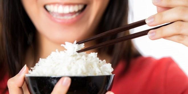 Ilustrasi makan nasi. (Ist)