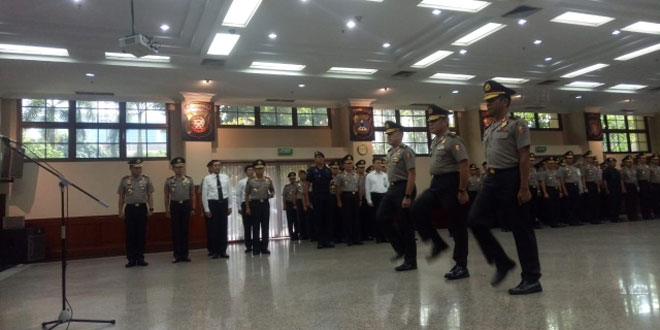 Suasana kenaikan pangkat 11 perwira Polri. Foto Okezone/Badriyanto