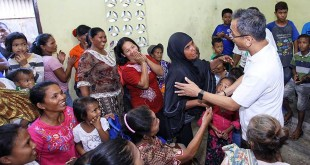 Ratusan warga menyambut hangat kedatangan Calon wakil gubernur Sumatera Utara, Sihar Sitorus di Kelurahan Bagan Deli, Belawan, Sabtu (19/5). (WOL Photo/Ist)