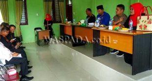 Wakil Bupati Gayo Lues H. Said Sani saat berkoordinasi dengan seluruh PPL dan Camat terkait program 500 Hektar Lahan Kopi Tahun 2019 Dinas Pertanian dan Perkebunan Gayo Lues, Kamis(7/11).